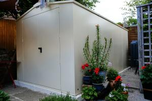 Extremely secure, solid and well designed shed - 5 Stars