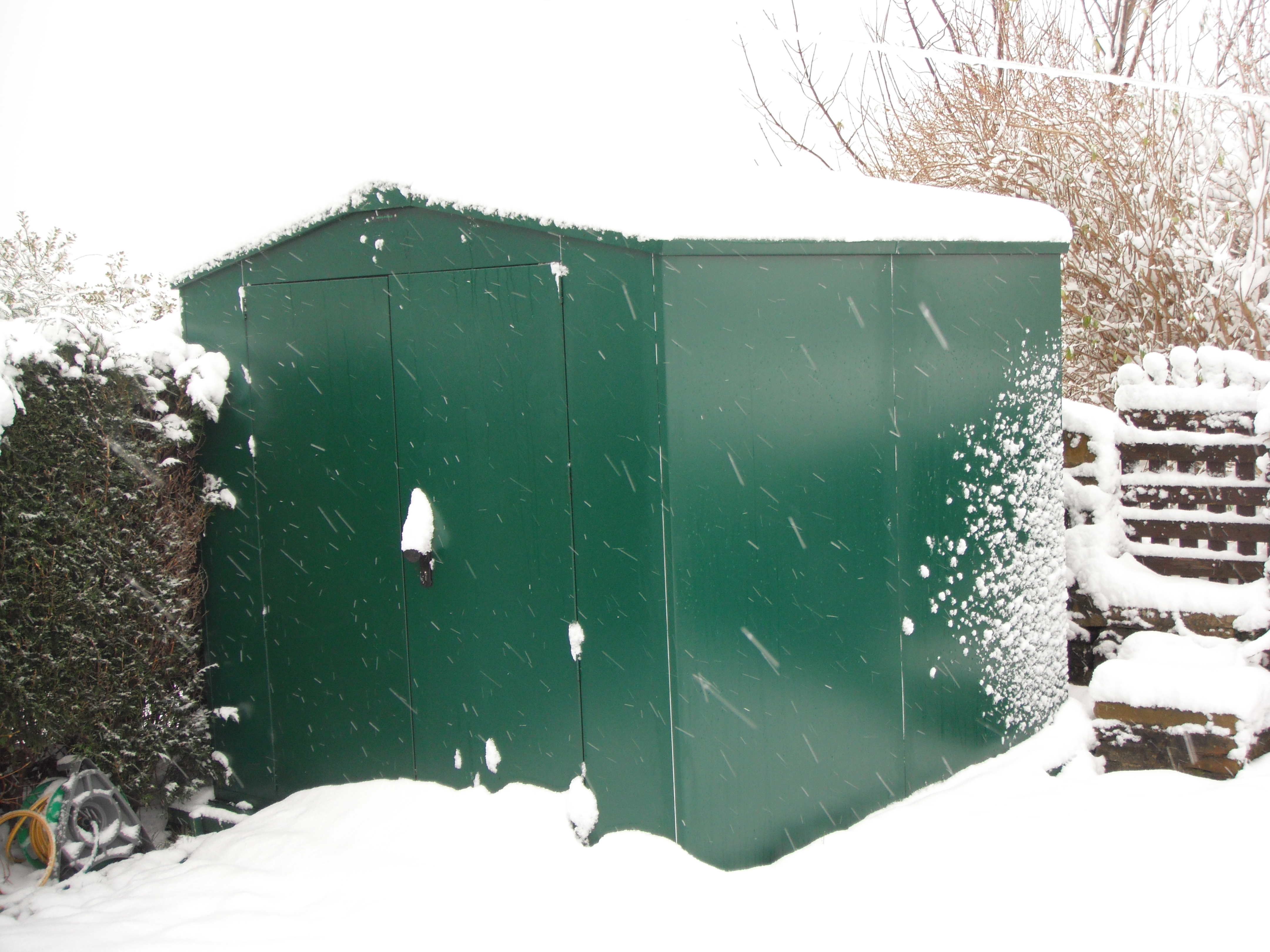 Prepare your garden shed for winter