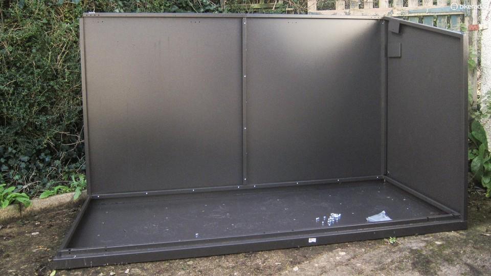 Metal bike storage during installation