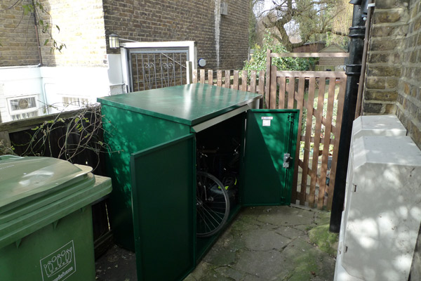 The Addition bike shed - secure bike storage for storing 3 bikes from asgard