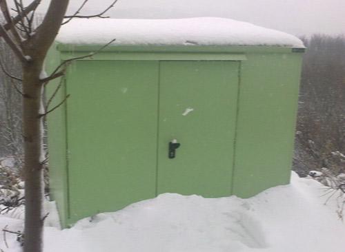 Weatherproof winter garden shed
