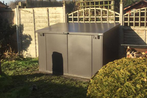 Access Garden Storage with Lift Up Lid