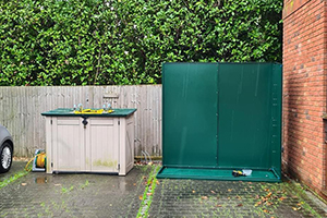 Shed at side of house Trojan