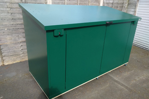 Asgard mobile shed - Customer's metal shed with castors