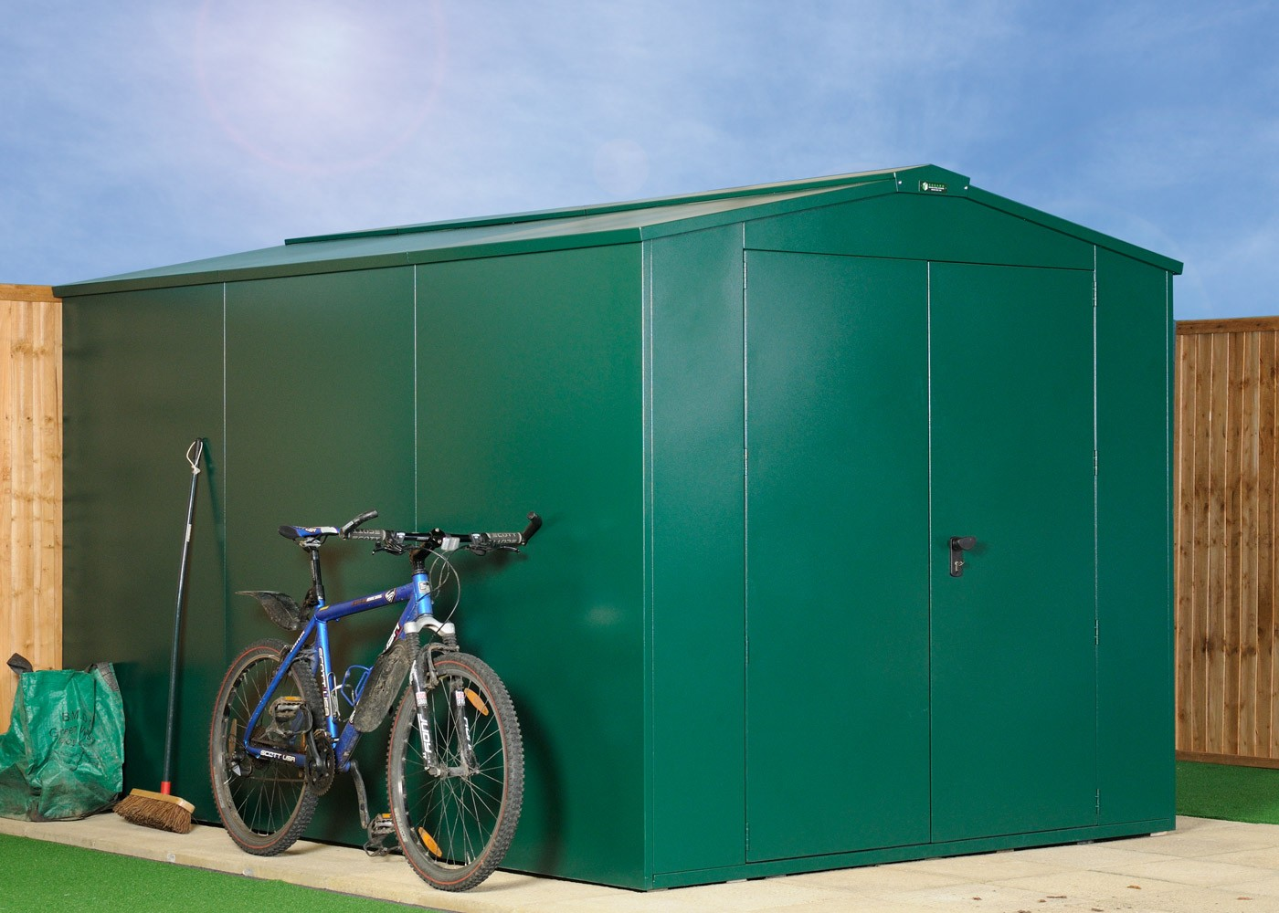 Metal shed plus 1 extension pack