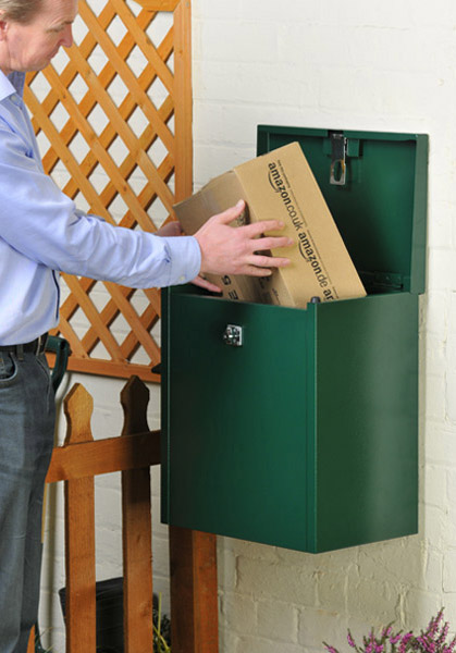 Compact parcel box fro home deliveries